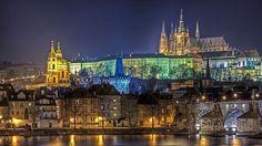 GALERIE: 23 fotografií nejkrásnějších hradů a zámků z celého světa | FOTO 1 | undefined Prague(also biggest on the world)