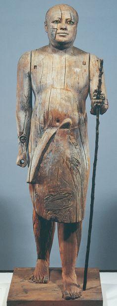 Ritratto di Ka-Aper, dalla mastaba di Ka-Aper, Saqqara, ca. 2450-2350 a.C. (Antico Regno) Legno con occhi in cristallo. Il Cairo, Museo Egizio