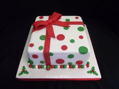 Christmas Cake by SweetTart Cakes {Natalie}, via Flickr
