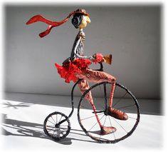 Alfonsina Paper Mache Clay, Paper Mache Sculpture, Paper Mache Crafts, Paper Clay, Clay Art, Small Sculptures, Animal Sculptures, Paper Dolls, Art Dolls
