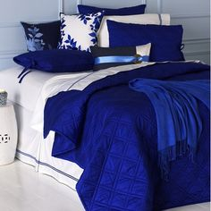 Love love love cobalt blue comforters. Too bad this one's discontinued.