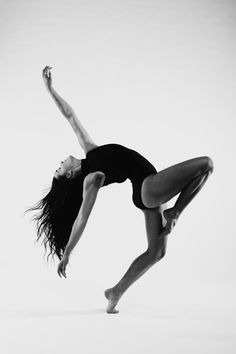 Photography Dance Poses Shadows 18 Ideas For 2019 Dance Picture Poses, Dance Photo Shoot, Dance Pictures, Jazz Dance Poses, Dance Photoshoot Ideas, Dancers Pose, Dance Pics, Lyrical Dance, Dance Choreography