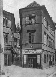 Praha, Prague Ghetto, Church end of Josef Class, Photos: Henry Eckert. Old Pictures, Old Photos, Prague Old Town, Church Aisle, Old Photography, South Tyrol, Beautiful Buildings, Czech Republic, Old Houses