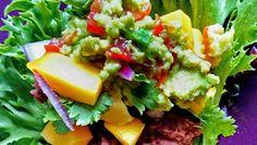 Taco i salatblad med bønnemos og mango Refried Beans, Chorizo, Pulled Pork, Guacamole, Mango, Mexican, Healthy, Ethnic Recipes, Drink