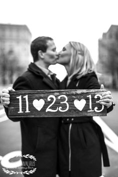 Love this idea for save the date card @no way Schutte with the chalk boards???? (: