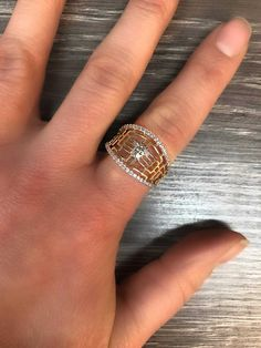 Bague en or 2 tons style Versace Class Ring, Versace, Rings, Jewelry, Style, Boutique Online Shopping, Swag, Jewels, Stylus