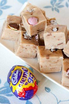 Creme egg fudge - a yummy Easter baking treat. No Egg Desserts, Dessert Recipes, Easter Desserts, Fudge Recipes, Baking Recipes, Chocolate Recipes, Cadbury Chocolate, Egg Recipes, Cadbury Recipes