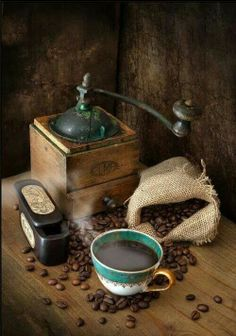 Vintage Coffee Grinder & Coffee Beans Photo www.MadamPaloozaEmporium.com…