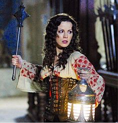 Van Helsing Gabriella Pescucci Carlo Poggiolo worn by Kate Beckinsale as Anna Valerious Kate Beckinsale, British Actresses, Actors & Actresses, Female Movie Characters, Woman Movie, Movie Costumes, Halloween Costumes, Fantasy Costumes, Cosplay