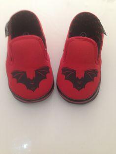 Sourpuss Kids Shoes Red Bat Crocs, Baby Shoes, Sandals, Red, Clothes, Fashion, Outfits, Moda, Shoes Sandals