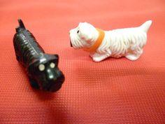 Kult aus der DDR - Originale Magnet Hunde - ein Pärchen in weiss und schwarz | eBay