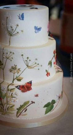Handpainted Butterflies cake - I think this is beautiful, too bad I could never duplicate it