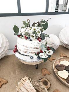 ORGANISER UNE BABY SHOWER - cake topper LOVE doré - gold