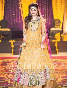 Asian Bridal Dresses, Bridal Mehndi Dresses, Desi Wedding Dresses, Mehendi Outfits, Pakistani Wedding Outfits, Bridal Dress Design, Bridal Outfits, Indian Outfits, Pakistani Mehndi Dress