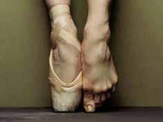 By Liesl Ferreira Just an image of pointe shoes evokes the elegance and grace of ballet. A dancer's first pair is a rite of passage, from little girl to serious ballerina. But the risk of inj… Dancers Feet, Ballet Feet, Ballet Dancers, Dance Like No One Is Watching, Just Dance, Facts About Dance, Contemporary Ballet, City Ballet, Professional Dancers