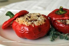 Palneni Chushki – minced meat and rice stuffed peppers (Bulgarian Recipe) Slow Carb Recipes, Beef Recipes, Cooking Recipes, Balkan Food, Bulgarian Recipes, Bulgarian Food, Stuffed Peppers With Rice, Eastern European Recipes, Mediterranean Dishes