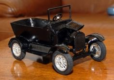 T Ford homebuilt Rockets Game, Metal Fab, Castles, Antique Cars, Painting, Ideas, Dioramas, Vintage Cars, Chateaus