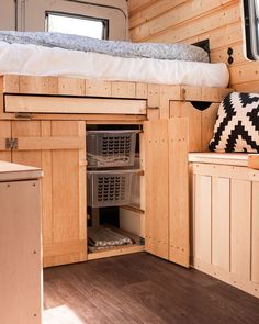 Bus Living, Living On The Road, Bus Life, Camper Life, Campers, Mercedes Bus, School Bus Tiny House, Narrowboat Interiors, Minivan Camping
