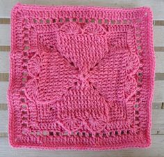 Pretty dishcloth, free pattern... and a few other great patterns on this blog also. :)