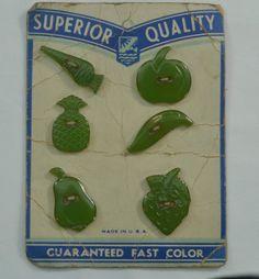 BAKELITE REALISTIC BUTTONS FRUIT & VEGETABLE GREEN COMPLETE SET