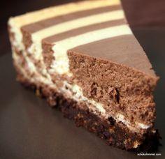 Zebra-Cheesecake mit Keksboden