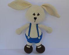 Es un Mundo Amigurumi: Conejo... Patrón Gratis con fotos paso a paso!!!! ✿Teresa Restegui http://www.pinterest.com/teretegui/✿