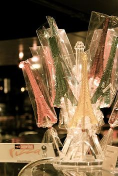 """Oh my goodness... Paige is obsessed with the """"I-quil"""" tower these days... and look at these lollipops."""