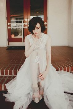 lace / tulle / vintage vibes | Image by Lauren Apel Photography