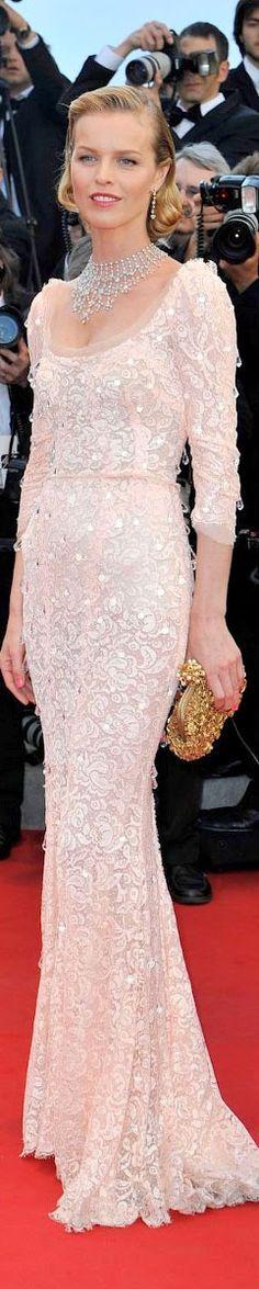 "Red Carpet Fashion #dress  ✮✮""Feel free to share on Pinterest"" ♥ღ www.fashionupdates.net"