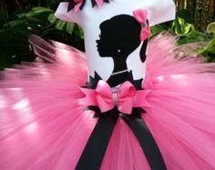 This hand-made Barbie silhouette tutu set consist of Tutu, Top, and bow. This beautiful Pink tutu is made with shocking pink good quality tu. Barbie Theme Party, Barbie Birthday Party, Tutu Party, Birthday Tutu, 4th Birthday Parties, Birthday Bash, Little Princess, Princess Party, Disney Princess