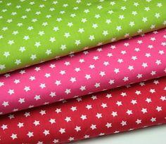 Wunderschöner BW Stoff mit kleinen Sternen  Erhätlich in den Farben grün und rot  0,2m *
