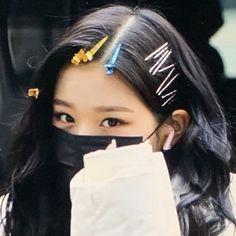 Kpop Girl Groups, Kpop Girls, My Girl, Cool Girl, Girl Hair Colors, Yu Jin, Cute Korean Girl, Japanese Girl Group, Cute Icons