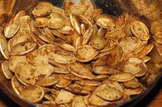 How to roast pumpkin seeds: the best sweet, salty & sticky recipe Best Appetizers, Appetizer Recipes, Snack Recipes, Cooking Recipes, Roasted Pumpkin Seeds, Roast Pumpkin, Sticky Recipe, Pumpkin Seed Recipes, How To Make Pumpkin