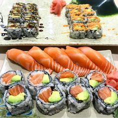 Sushi Take Out, Sushi Love, Japanese Food Sushi, Japanese Dishes, Sushi Comida, Sushi Burger, Sushi Sushi, Bento, Shrimp Sushi