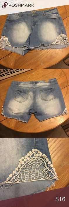 """🎡Reign crochet side stretch Jean shorts 20W Reign stretch jean shorts from Deb in Women's plus size 20. Crochet pieces on each side. Stonewash color with a little bit of whiskering and bleached color for a vintage look. Waist measures about 21"""" across the top when flat and unstretched and easily stretches to 23"""". Inseam about 4"""". In good overall condition. There is a fray on back of left leg &inside of right leg near the unfinished hems. Not noticeable while wearing. Please see photos for…"""