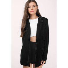 Tobi Ivy Velvet Boyfriend Blazer (2.565 RUB) ❤ liked on Polyvore featuring outerwear, jackets, blazers, black, boyfriend blazer jacket, boyfriend jacket, boyfriend blazers, velvet jacket and blazer jacket