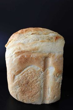 This white bread machine recipe is the best! Made with unbleached all purpose flour, this bread recipe is perfect sandwiches and toast alike! Easy French Bread Recipe Bread Machine, White Bread Machine Recipes, Best Bread Machine, Wheat Bread Recipe, Bread Maker Recipes, Sourdough Bread Machine, Bread Machine Recipes Healthy, Ma Baker, Breakfast Bread Recipes