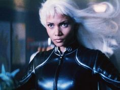 Halle Berry As Storm In The X-Men Series Halle Berry X Men, Halle Berry Storm, Storm Xmen, Storm Marvel, Fiction Movies, Pulp Fiction, Science Fiction, Marvel Films, Marvel X