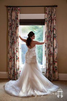 Bride portrait Bride Portrait, Quinceanera, Wedding Photography, Portraits, Weddings, Wedding Dresses, Fashion, Bride Dresses, Moda