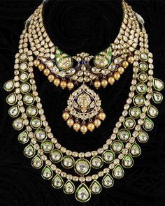 70cba3f35d63a6 25 Top Examples Of Exquisite Bridal Jewellery On Rent. Indian BridalAntique  JewelryEthnic ...