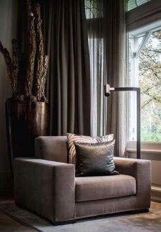 Prachtige stoel voor in de woonkamer.