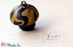 Gomba medál (IndieLynx) - Meska.hu Handmade Jewellery, Christmas Bulbs, Holiday Decor, Jewelry, Home Decor, Christmas Light Bulbs, Jewellery Making, Handmade Jewelry, Jewerly