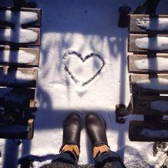 stand for love. @SaveLoveGive #SaveLoveGive (photo: michele janezic)