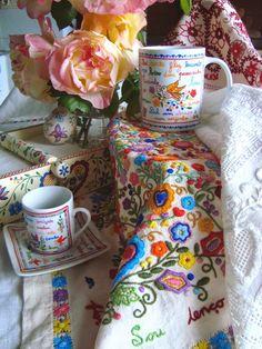 lenços dos namorados - traditional handkerchiefs from northern Portugal Embroidery Sampler, Vintage Embroidery, Cross Stitch Embroidery, Hand Embroidery, Machine Embroidery, Portugal, Hand Quilting, Embroidery Techniques, Cross Stitch Designs