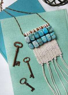 DIY Boho Clothes and Jewelry - Woven Necklace DIY - How to Make Easy Boho Fashion On A Budget - Edgy Homemade Hippe Clothing Ideas for Summer, Winter, Spring and Fall Jewelry Crafts, Jewelry Art, Handmade Jewelry, Jewellery, Macrame Necklace, Diy Necklace, Necklace Tutorial, Pearl Necklace, Bead Earrings