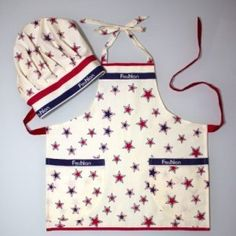 apron and cap with stars  for little helper