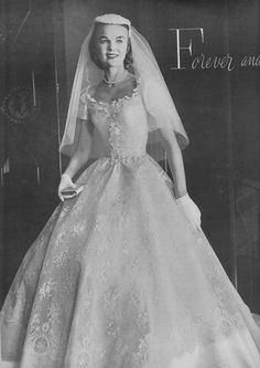 House Beautiful's Guide for the Bride 1955 - Vintage Wedding Photos, Wedding Dresses Photos, Vintage Bridal, Dream Wedding Dresses, Bridal Dresses, Wedding Gowns, Vintage Weddings, Wedding Bride, Wedding Dress Bustle