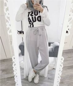 casual hijab summer wear – Just Trendy Girls Hijab Casual, Hijab Chic, Ootd Hijab, Women's Casual, Muslim Fashion, Modest Fashion, Fashion Outfits, Muslim Shop, Hijab Elegante