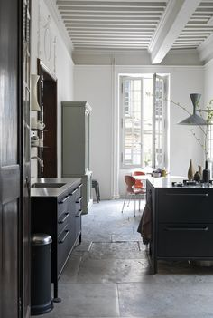 Second Act: A London Design Couple's Townhouse in a Small French Market Town (Remodelista: Sourcebook for the Considered Home) Kitchen Interior, Interior And Exterior, Kitchen Design, Interior Design, Old Stone Houses, Bungalow 5, Stone Flooring, Marie Claire, Contemporary Furniture
