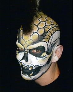 skull face painting by kerry ann smith (Halloween costumes for men? Skull Face Paint, Face Paint Makeup, Fx Makeup, Creepy Halloween Makeup, Amazing Halloween Makeup, Halloween Costumes, Airbrush, Monster Face Painting, Steampunk